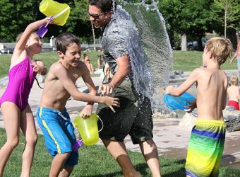 water-fight-children-water-play-51349